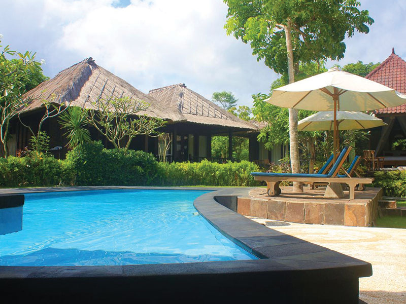 Rigils Pool, private bungalow and teacher training bali nusa lembongan